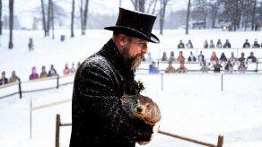 Día de la Marmota: Punxsutawney Phil pronostica más invierno