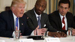 Ejecutivos disolvieron panel asesor de Trump