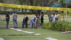 Culmina exhumación de restos de víctimas de la invasión en el Jardín de Paz