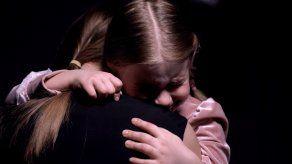¿Por qué se despiertan llorando los niños durante la noche? ¿Qué deben hacer los padres?