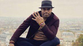 El pianista cubano Roberto Fonseca se rodea de agua para su disco Yesun