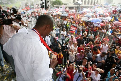 Irving Saladino llega a Panamá