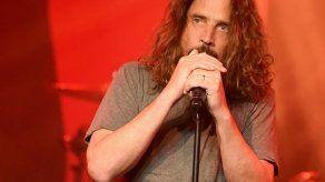 La familia del cantante Chris Cornell demanda a un médico por su suicidio