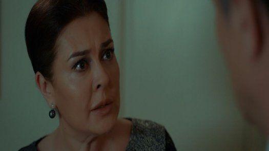 Sema defiende a Özlem y exige que se quede en la mansión con Mahir