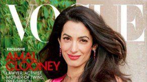 Amal Clooney posa como toda una profesional en la portada de Vogue