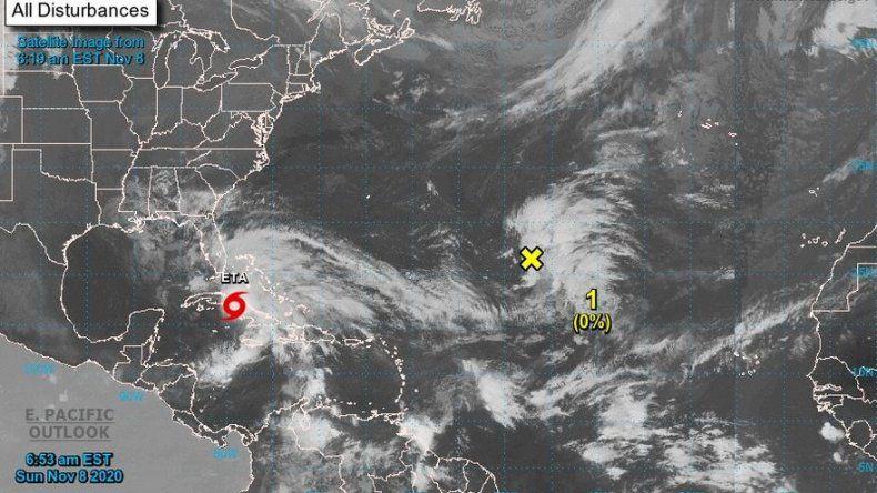 Eta alcanza Cuba con la amenaza de peligrosas marejadas e inundaciones