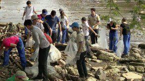 Voluntarios participan de la Limpieza Nacional de Playas
