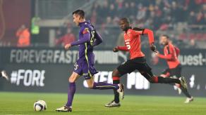 Caen resiste con diez ante el Rennes de Quintero