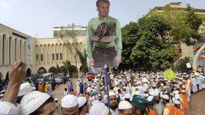 Protestas masivas en Bangladesh por caricaturas en Francia