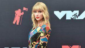 Taylor Swift define a Kanye West como un hipócrita con dos caras
