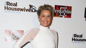 Extirpan los implantes de pecho a Yolanda Foster