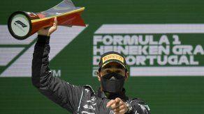 Hamilton gana en Portugal su segunda carrera de la temporada