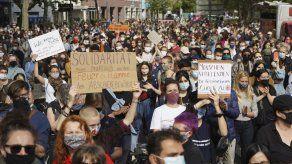 Miles marchan en Berlín en apoyo a refugiados en Grecia
