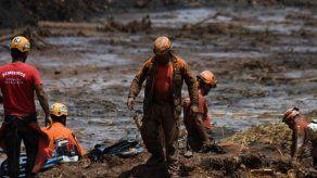 Detienen a cinco ingenieros en investigación por tragedia minera en Brasil