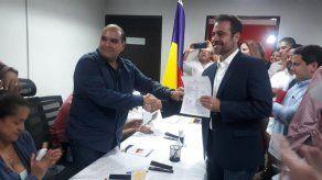 Etchelecu se postula para presidir junta directiva del Partido Panameñista