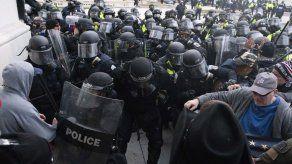 Nuevos documentos revelan magnitud del caos del 6 de enero en el Capitolio