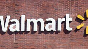 Joven provoca caos al entrar armado y con chaleco antibalas a Walmart en EEUU