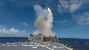 Aviones despegan de base atacada por EEUU en Siria y dirigen bombardeos