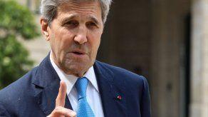 Trump ataca al exsecretario de Estado Kerry por reunirse con Irán