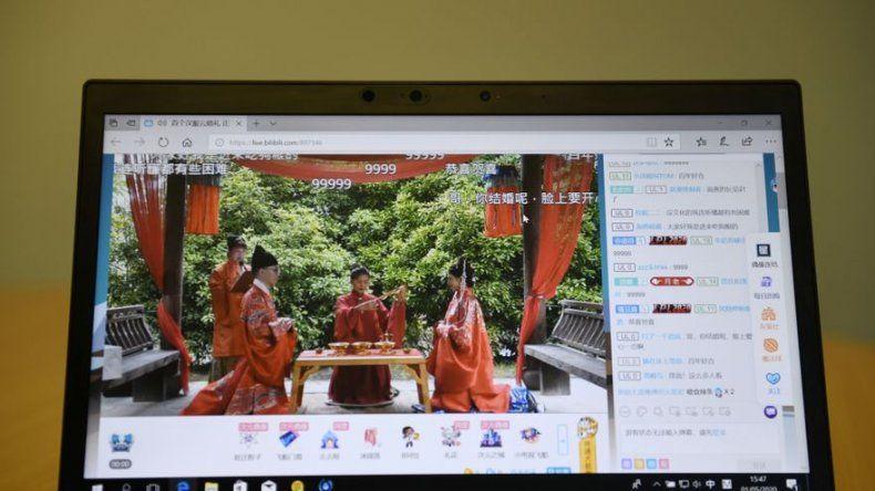 El sí quiero en tiempos de coronavirus: los chinos se casan en línea