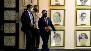 El diputado Arquesio Arias, a su llegada la tarde de este viernes 30 de abril a la sede de la CSJ.