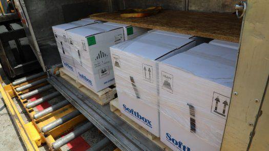 Llega a Panamá un nuevo lote de vacunas contra la COVID-19 de Pfizer.