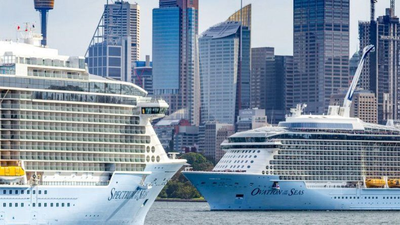 Royal Caribbean y Norwegian dejan sus barcos parados por el coronavirus