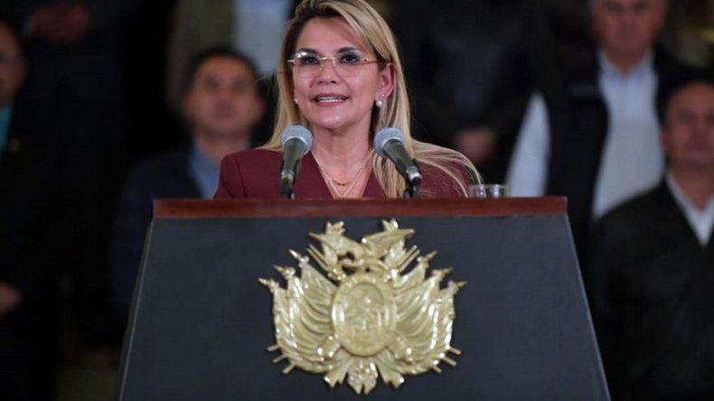 Áñez acusa a Morales de intentar volver al poder en Bolivia con terrorismo
