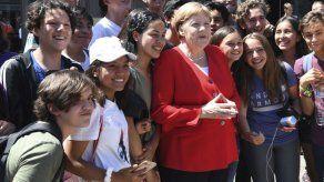 Merkel se siente mejor tras interrogantes sobre su salud