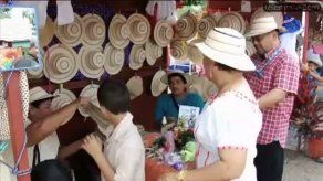Concluye con éxito el desfile de los mil sombreros en La Pintada