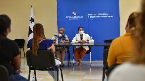 Miviot se reúne con afectados por deslizamiento en Samaria para ofrecer alternativa de lotificación