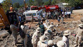El derrumbe de un edificio en obras en Camboya se salda con 36 muertos
