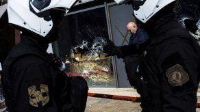 Grecia acusada de discriminación al fijar estatura mínima a candidatos a policía