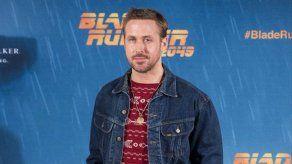 Ryan Gosling no se molesta por la decoración de Halloween en todo el año
