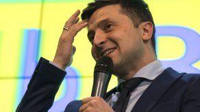 Un comediante lidera la primera vuelta electoral en Ucrania
