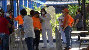 Esperan vacunar a 55 mil adultos mayores del circuito 8-8 durante jornada que iniciará el martes