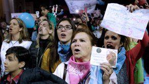 Diputados deciden en votación si se legaliza el aborto en Argentina