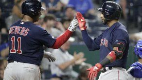 Núñez conecta jonrón de 3 carreras; Boston doblega a Reales