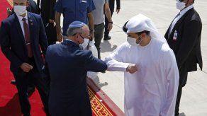 Israel y EAU firmarán acuerdo de normalización en una semana