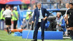 Tabárez renueva contrato para dirigir selección de fútbol de Uruguay