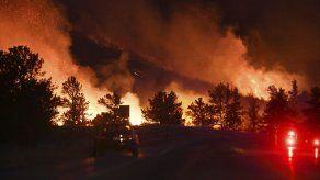 Incendio en montañas de Colorado llega a extensión histórica