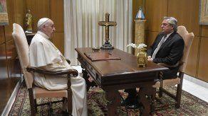 La audiencia a puerta cerrada se celebró en el estudio del Aula Paulo VI en el Vaticano y duró unos 25 minutos.