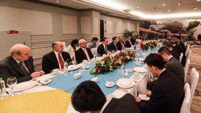 Vicecanciller chino se reunió con Laurentino Cortizo y Juan Carlos Varela