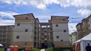 Entregan 370 apartamentos a humildes familias de Colón en el proyecto Altos de Los Lagos