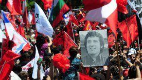 Tres exoficiales chilenos procesados por homicidio de cantautor