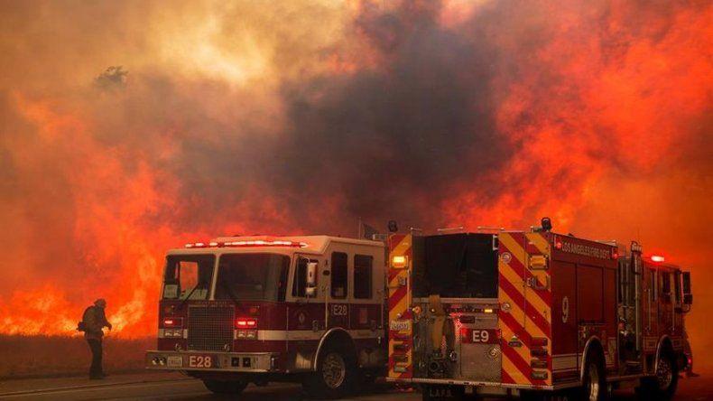 ¿Qué diferencia a los incendios de California este año?