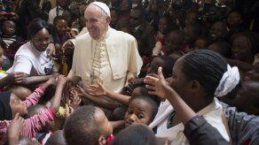 Papa Francisco llegó a Uganda