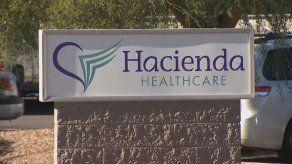 Mujer en estado vegetativo durante una década da a luz en Phoenix