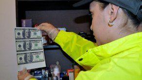 Desmantelan en Colombia banda que enviaba dólares falsos a EEUU