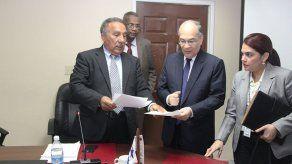González sustentó informe sobre proyecto de imprescriptibilidad del delito de corrupción